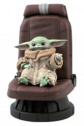 SW THE MANDALORIAN CHILD IN CHAIR 1/2 ST