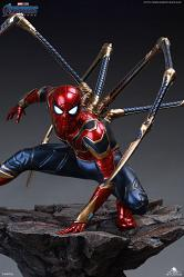 Queen Studios Iron Spider-Man Regular Statuette