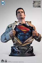 DC Comics: Justice League - Superman Life Sized Bust