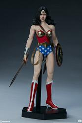 DC Comics: Wonder Woman 1:6 Scale Figure