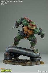 Teenage Mutant Ninja Turtles: Raphael Statue