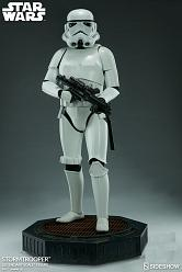 Star Wars: Stormtrooper Legendary Scale Figure