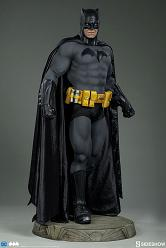 DC Comics: Batman 1:2 Scale Statue