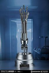 Terminator 2: Endoskeleton Arm and Brain Chip Life Sized Set