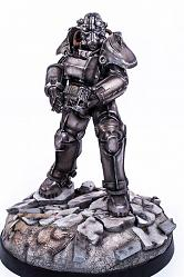Fallout 4: T-45 Power Armor 1:4 scale Statue