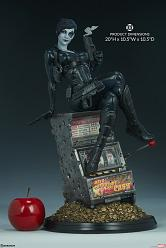 Marvel: X-Men - Domino Premium Statue