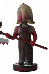 Resident Evil Afterlife Wackelkopf-Figur The Axe Man 20 cm