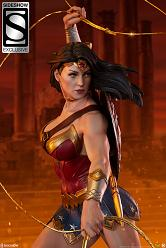 DC Comics: Wonder Woman PremiumStatue Exclusive Editio