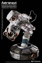 The Real Superb Scale Hybrid Statue 1/4 Astronaut ISS EMU Ver. 9