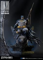 DC Comics: The Dark Knight 3 - The Master Race - Batman Statue