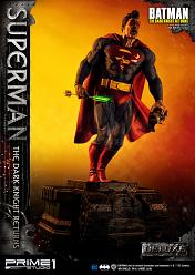 DC Comics: The Dark Knight Returns Comics - Deluxe Superman Stat