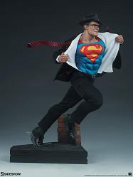 DC Comics: Superman Call to Action Premium Statue