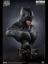 DC Comics: Justice League - Batman 1:1 Scale Bust