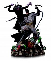 DC Comics: The Batman Who Laughs vs Batman Battle Statue