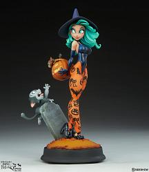 Happy HallowQueens: Pumpkin Witch 13.25 inch Statue
