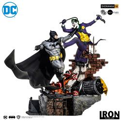 DC Comics: Batman vs Joker 1:6 Scale Battle Diorama