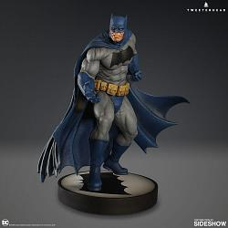 DC Comics: Dark Knight Batman 12.5 inch Maquette