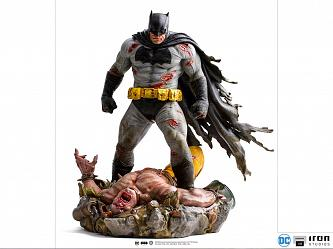 DC Comics: The Dark Knight Returns - Batman 1:6 Scale Diorama St