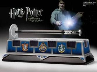 Noble Collection HP Levitating Wand Pendant