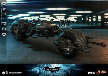 DC Comics: The Dark Knight Rises - Bat-Pod 1:6 Scale Replica