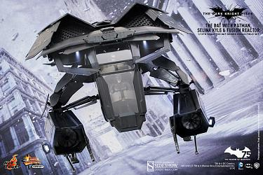 The Dark Knight Rises: The Bat Collectible Set Deluxe