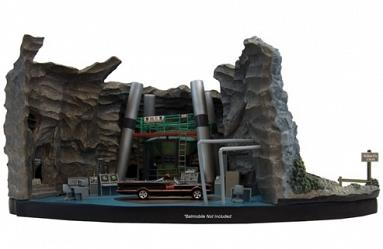 DC Comics: Batman - 1966 TV Series Batcave Desktop Sculpture