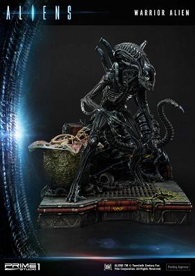 Aliens: Deluxe Warrior Alien Bonus Version 26 inch Diorama