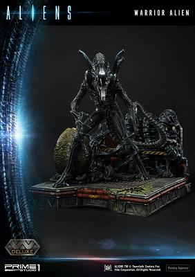 Aliens: Deluxe Warrior Alien 26 inch Diorama