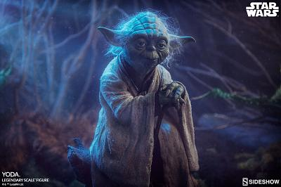Star Wars: The Empire Strikes Back - Yoda Legendary Scale Statue