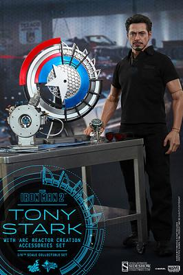 Marvel: Tony Stark with Arc Reactor Accessories Collectible Set