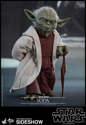 Star Wars: Attack of the Clones - Yoda 1:6 Scale Figure