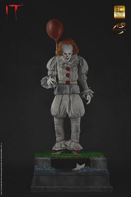 IT: Pennywise 1:3 scale Maquette