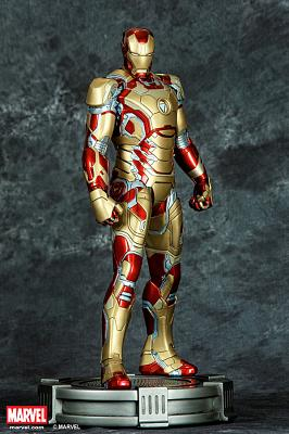 IRON MAN MARK XLII STATUE