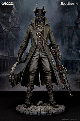 Bloodborne Statue 1/6 Hunter Puddle of Blood Ver. 32 cm